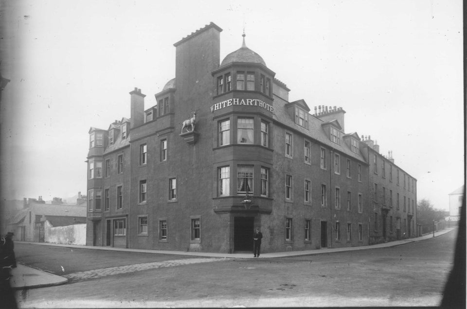 The White Hart Hotel. Corner of Argyll and Castlehill. Campbeltown, 1800s