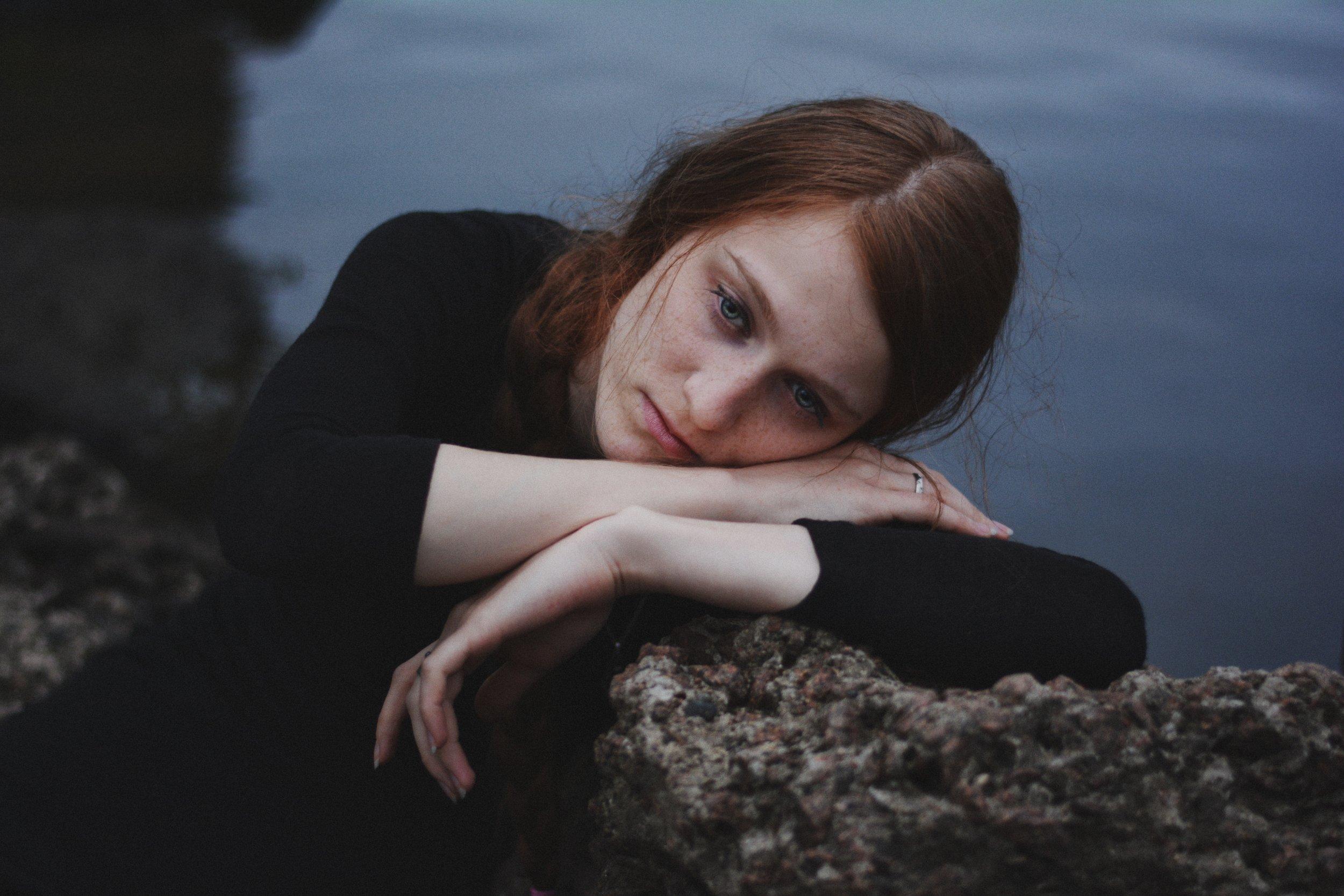 Du bist müde, mürrisch und unfroh? Genervt und gestresst? Hast das Gefühl, dass manche Menschen und Situationen nur dafür da sind, um an Dir zu ziehen und zu zerren und zwar in gegensätzliche Richtungen? Du willst einfach nur mal einen entspannten Tag erleben, ohne dass Dir jemand auf die Nerven geht, aber stattdessen würdest Du am liebsten schreien? -