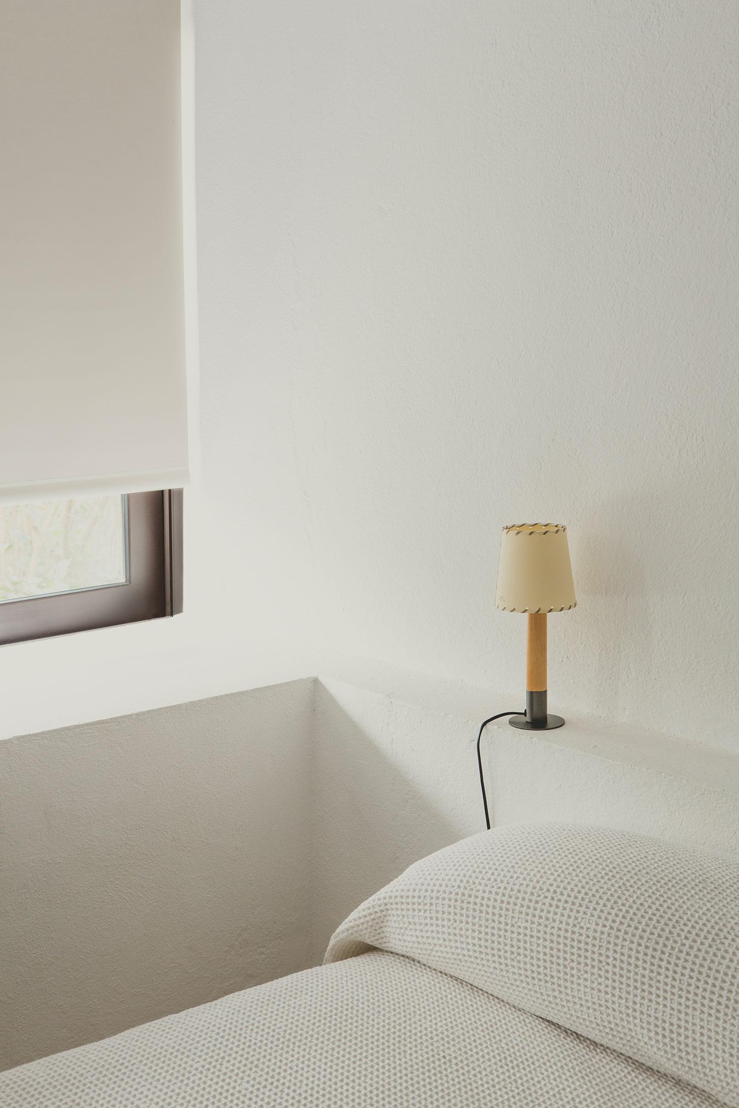SANTACOLE_TABLE_LAMPS_Basica_Minima_Basica_minima_Pericas__Carlos_1-web.jpg