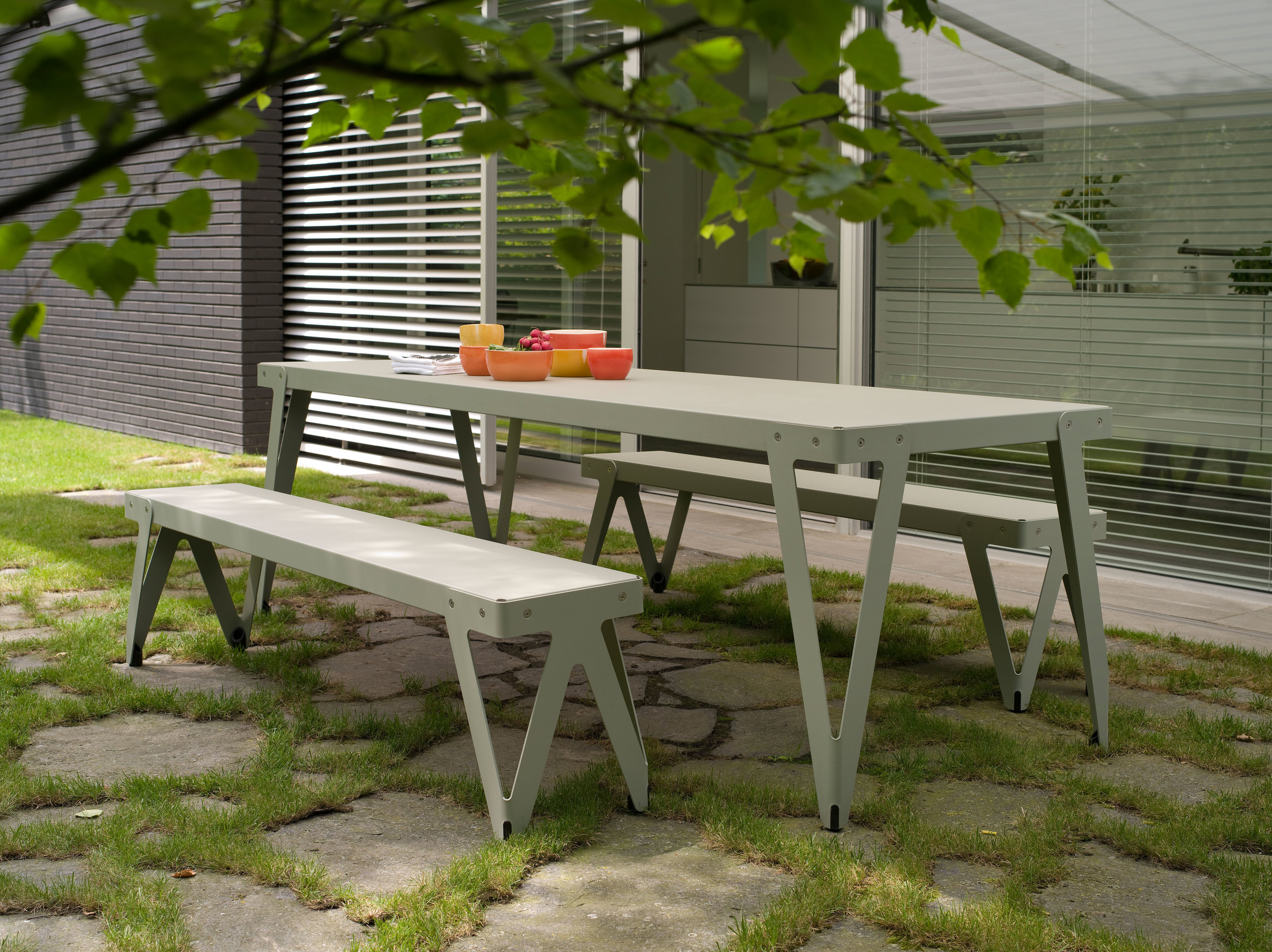 Lloyd Table 230x80+Bench 170 OUTDOOR_parallel (1).jpg