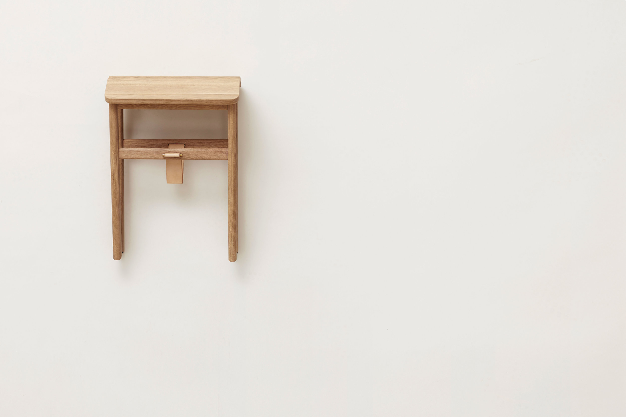 F&R_angle-stool-oak_hanging.jpg