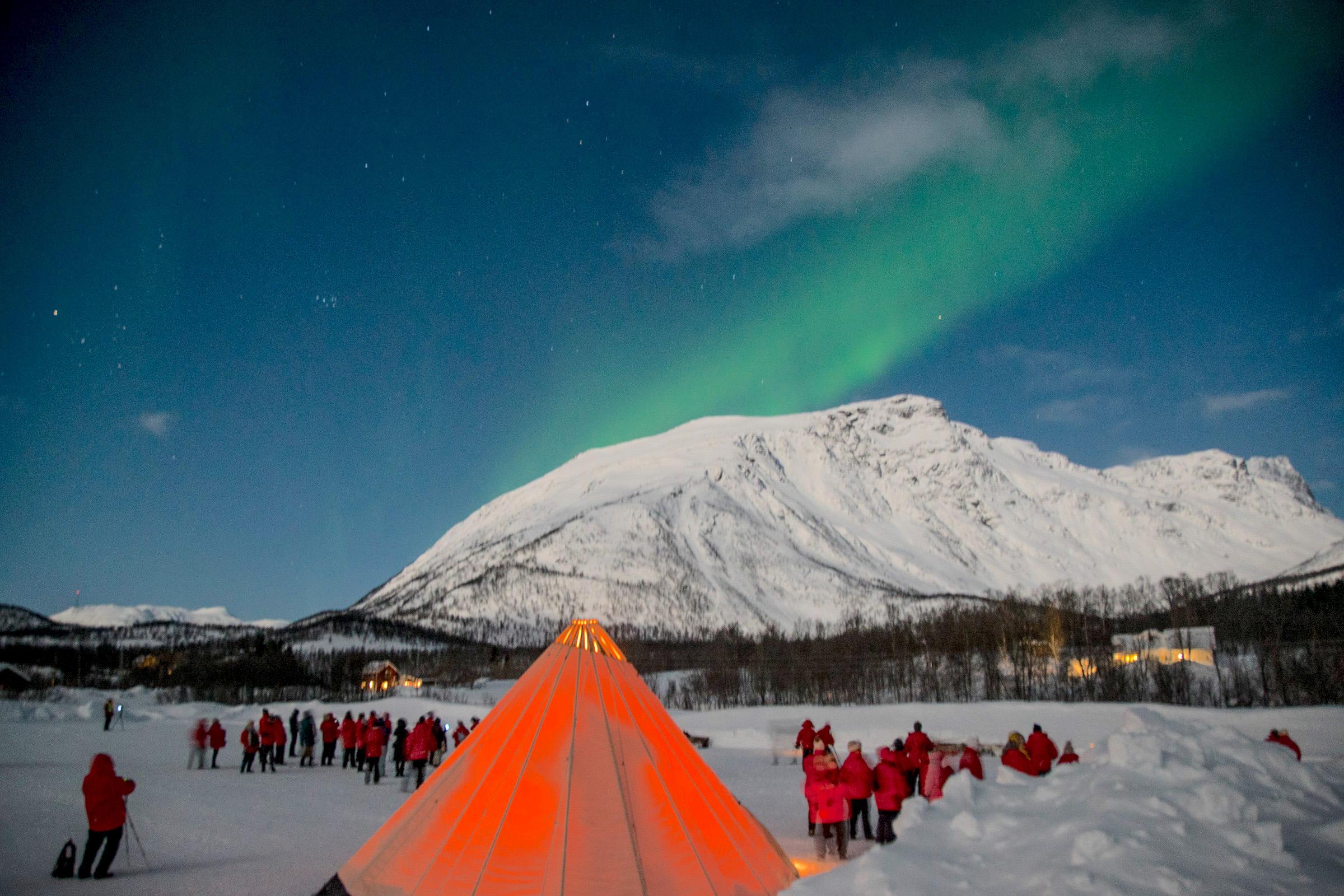 26 Sami tent and the Aurora.jpg