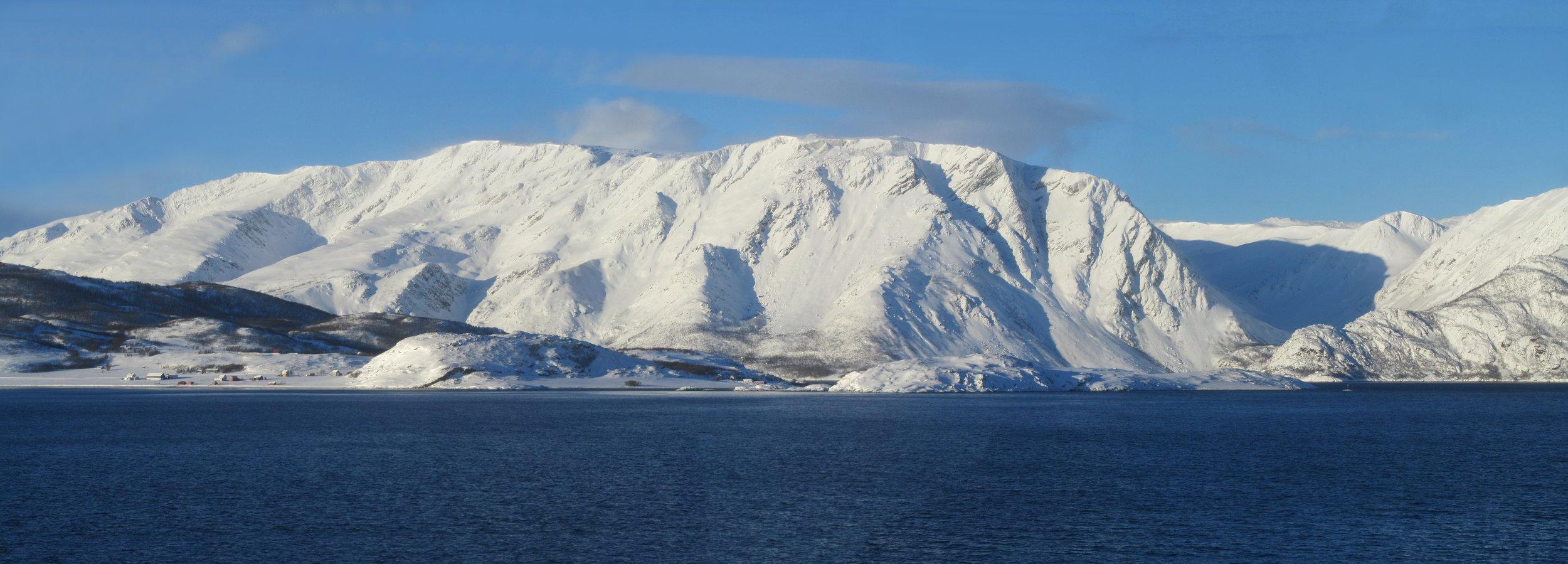 35 The beautiful Arctic scenery.jpg