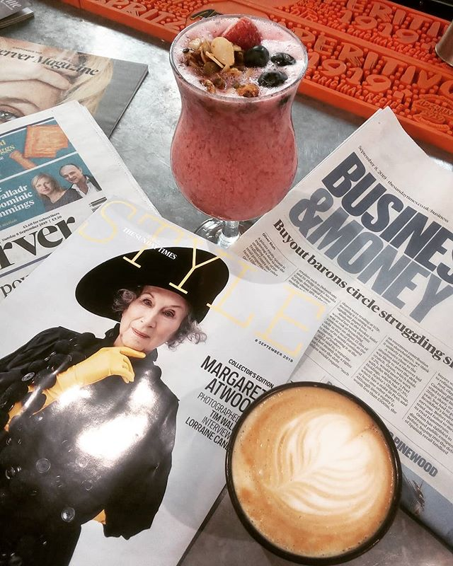 How are you spending your Sunday? I'll be here- drinking oatmilk breakfast smoothies & coffee with the papers.  #vegan #oatmilk  #sunday #ladybay #notts #coffee #latteart #sundaytimes