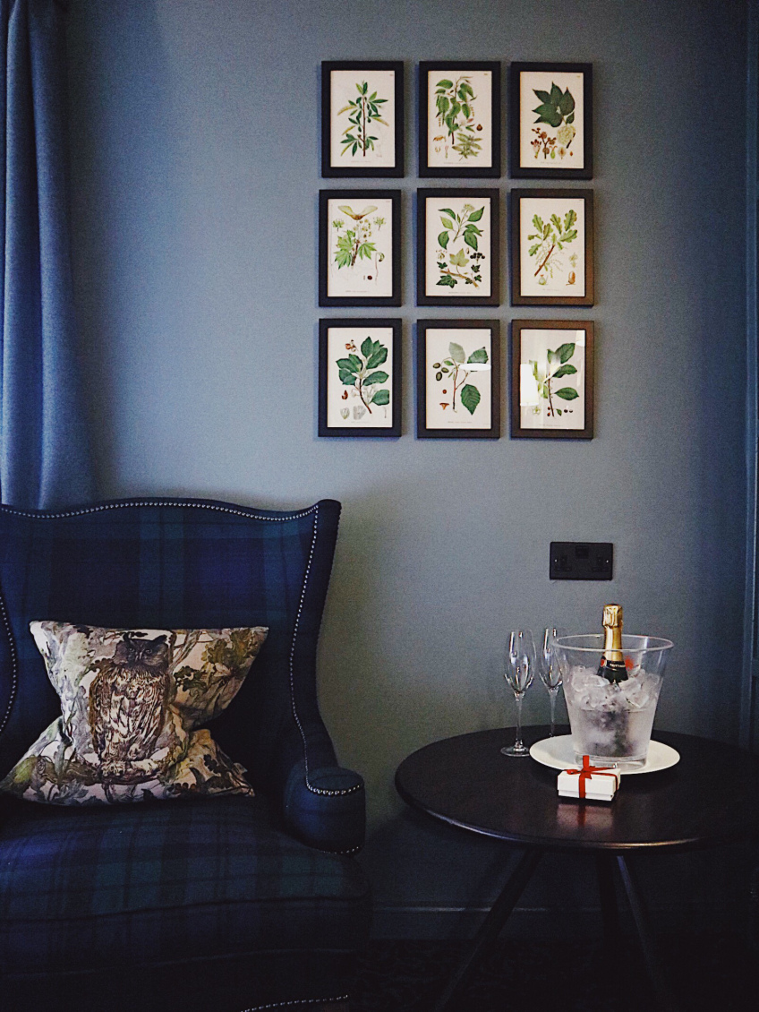 Lygon Arms Bedroom Corner.jpg