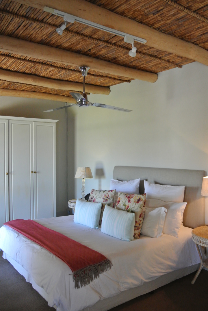 La Petite Bedroom.jpg
