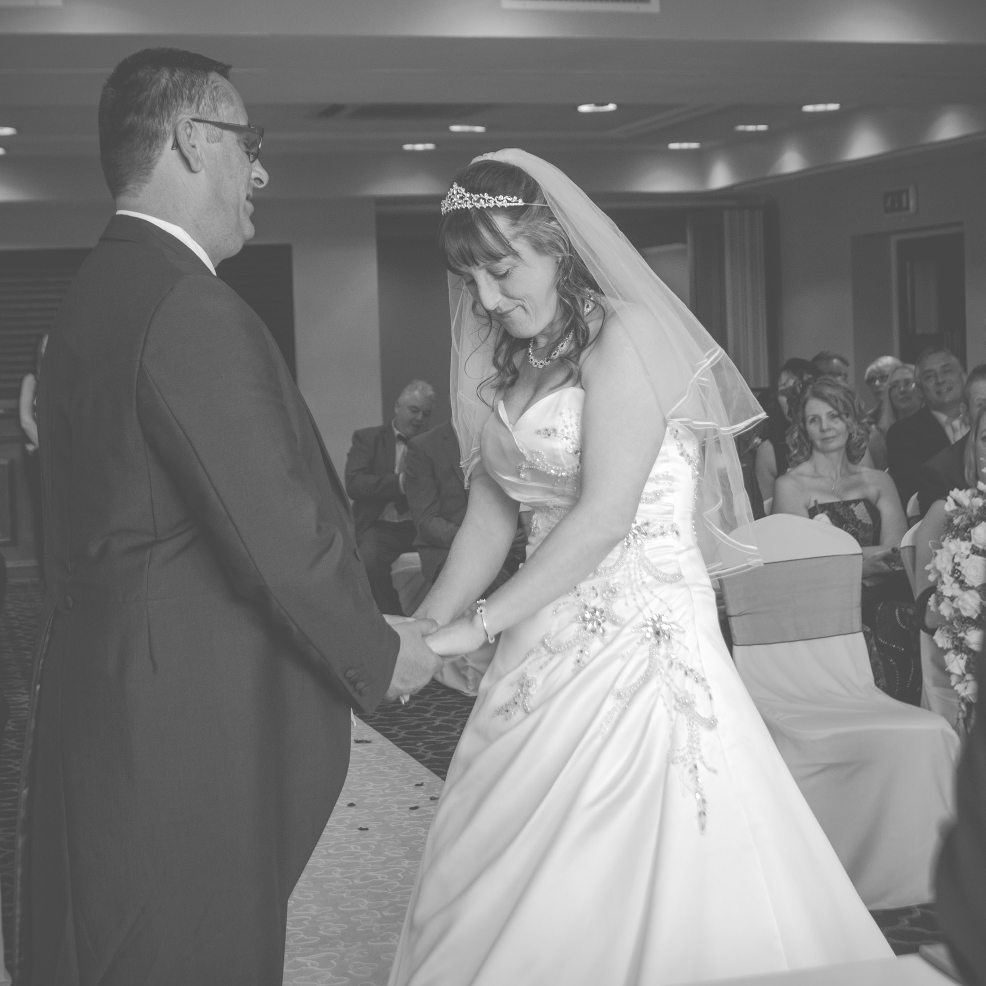 gomersal-park-hotel-bradford-wedding-photographer-26.jpg