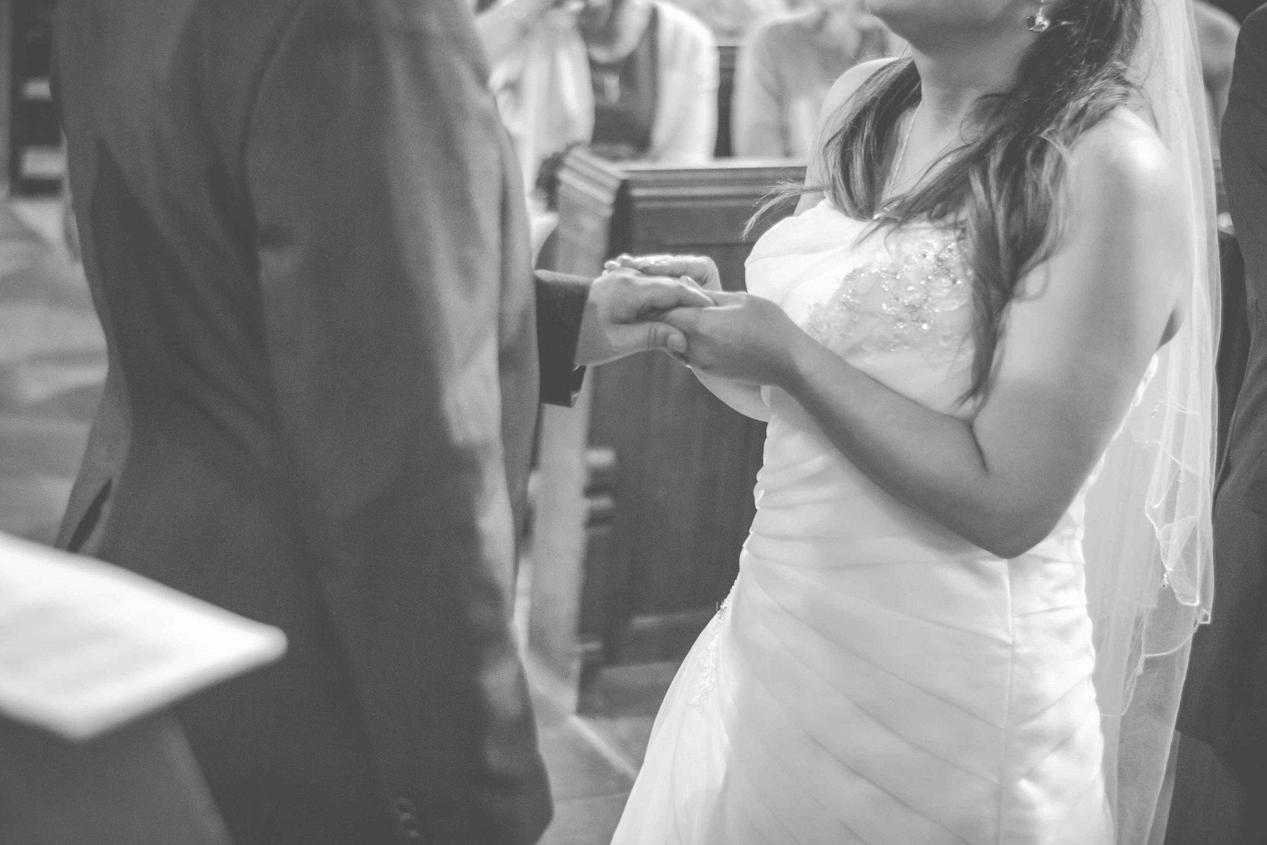 st-johns-ingrow-keighley-wedding-photos-16