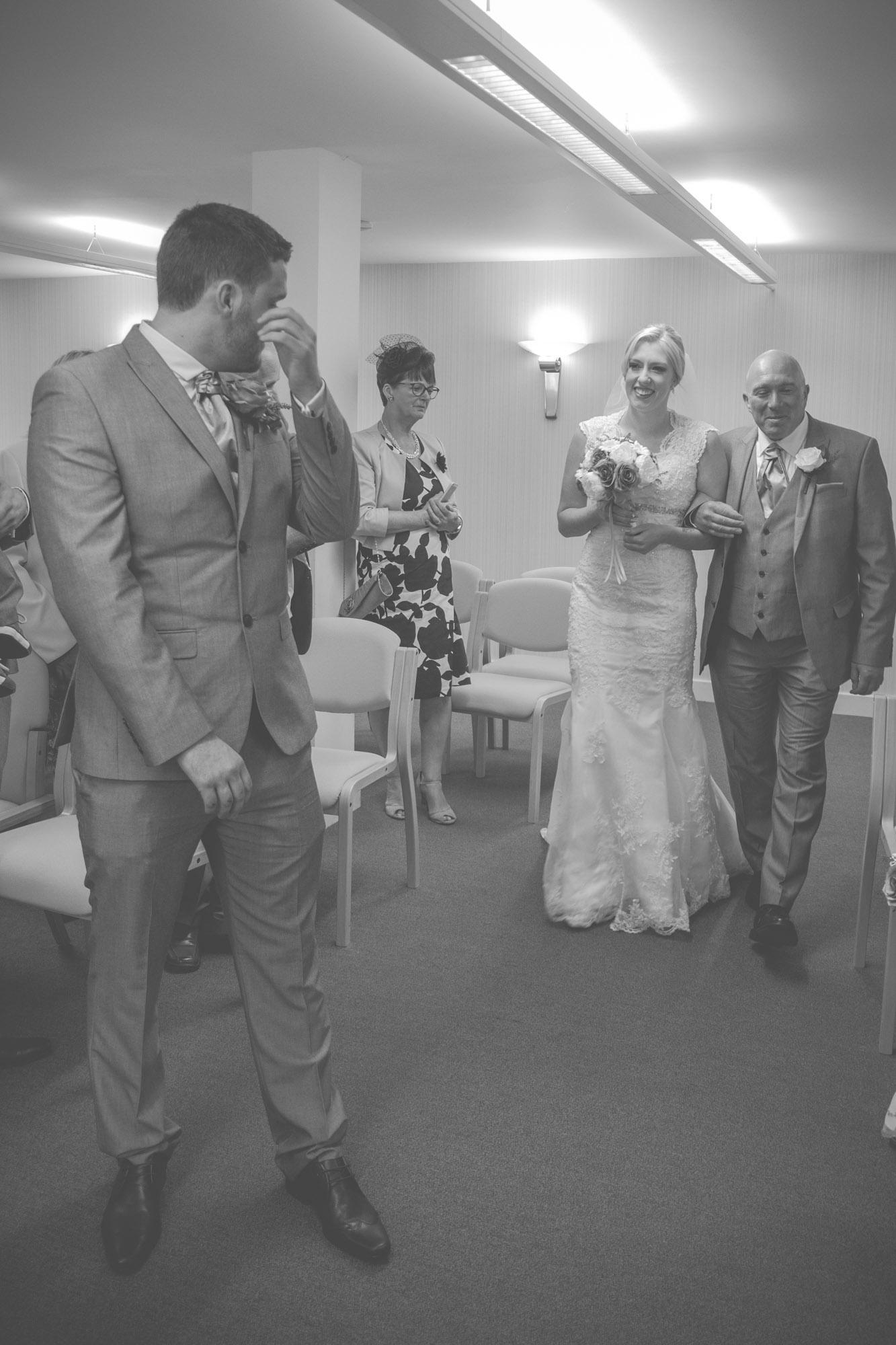 skipton-registry-office-wedding-photography-22.jpg