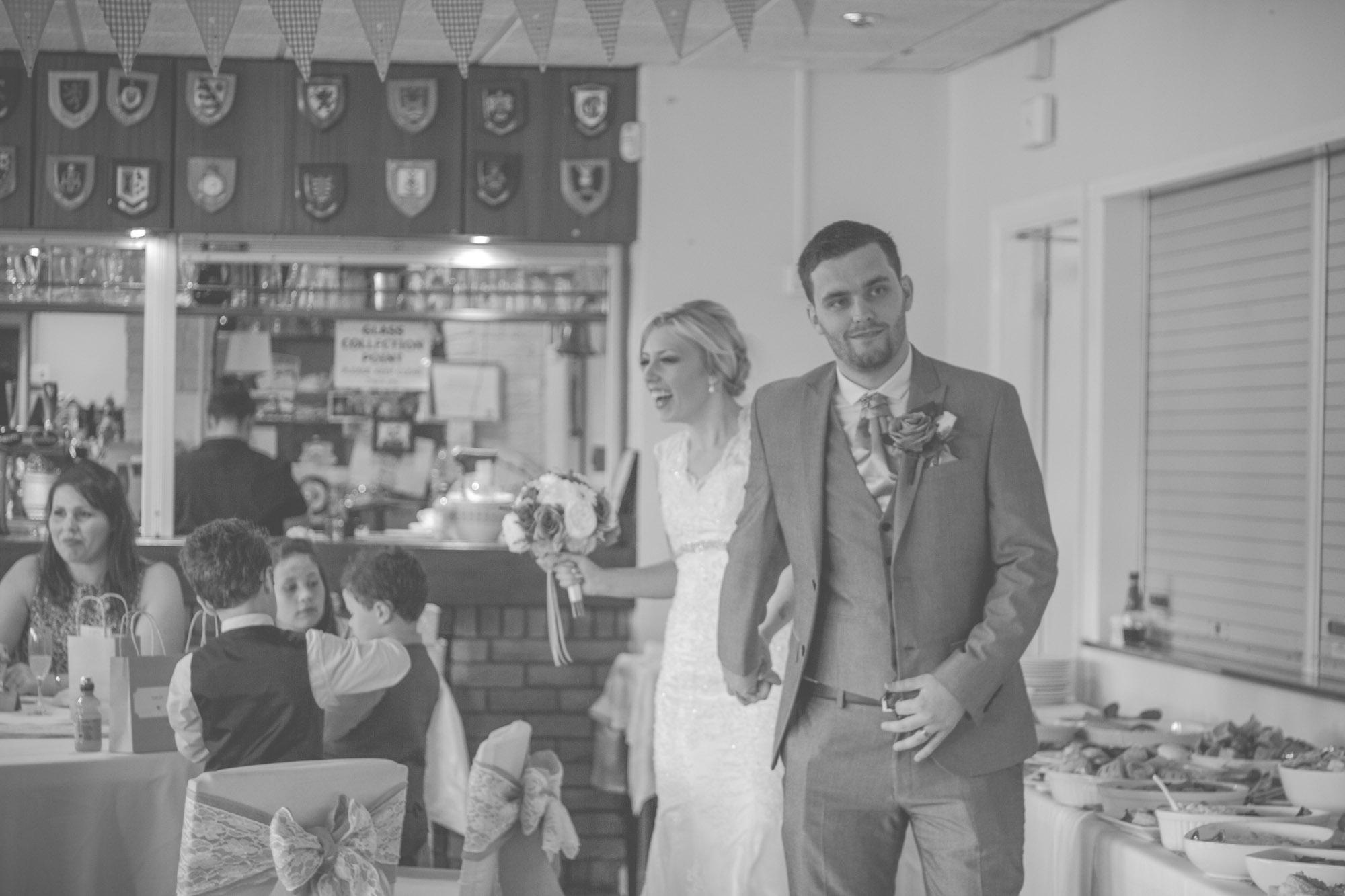 skipton-registry-office-wedding-photography-43.jpg
