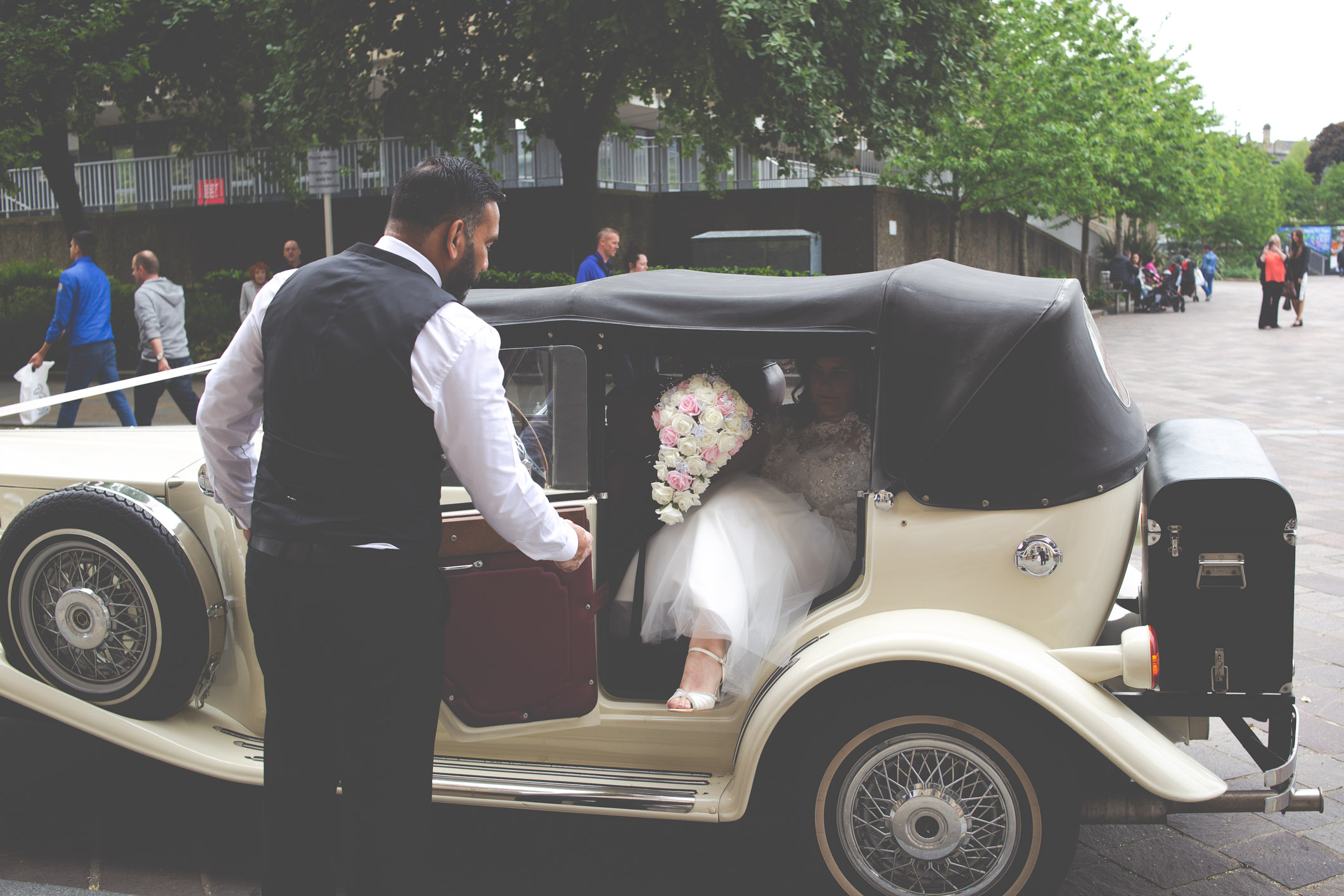 bradford-wedding-photographer-bradford-registry-office