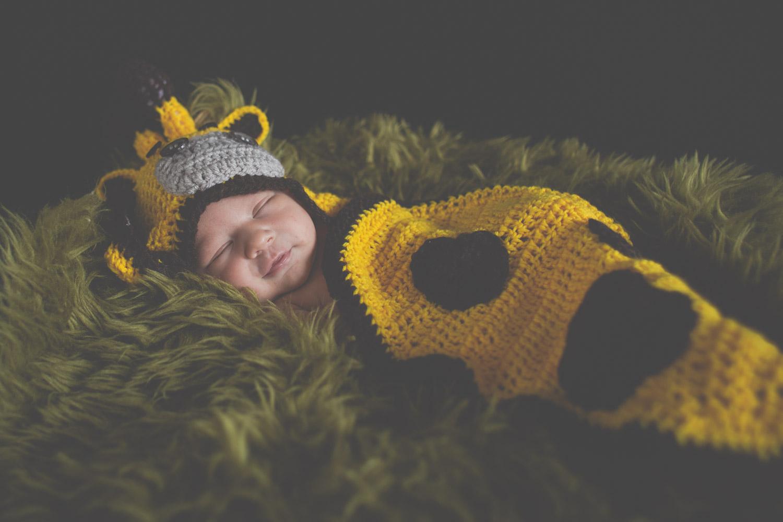 newborn-portraits-photos-keighley-bradford-skipton-halifax-chicca-photography-01.jpg
