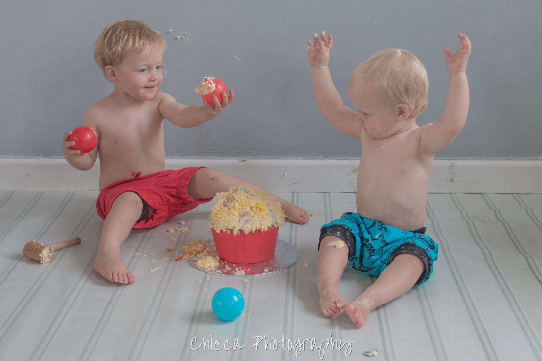 baby-child-cake-smash-photos-keighley-skipton-4.jpg