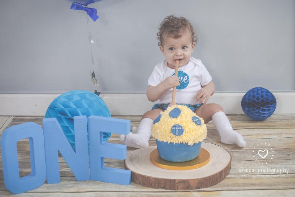 keighley-cake-smash-baby-photo-shoot-chicca-13.jpg
