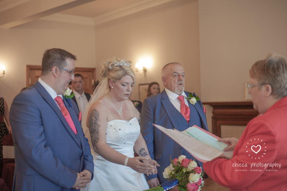 bradford-registry-office-calverley-golf-club-wedding-photography-chicca-41.jpg