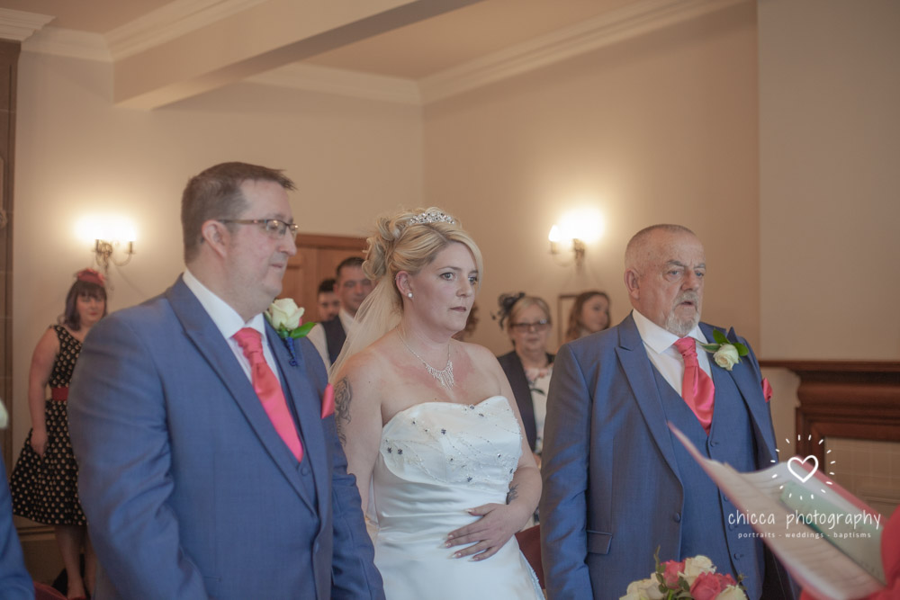 bradford-registry-office-calverley-golf-club-wedding-photography-chicca-42.jpg