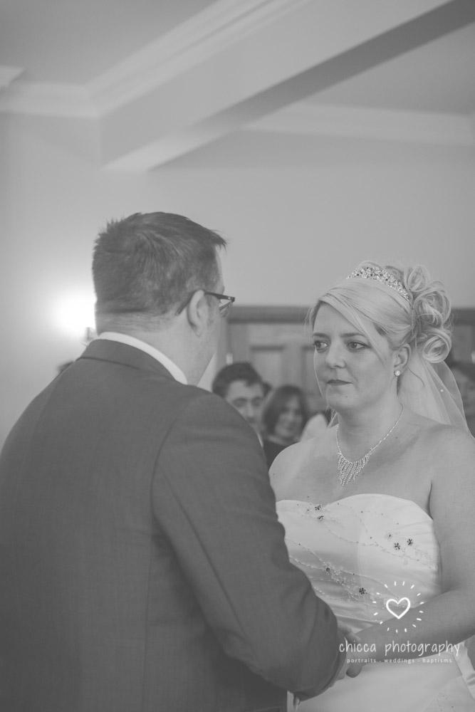 bradford-registry-office-calverley-golf-club-wedding-photography-chicca-44.jpg