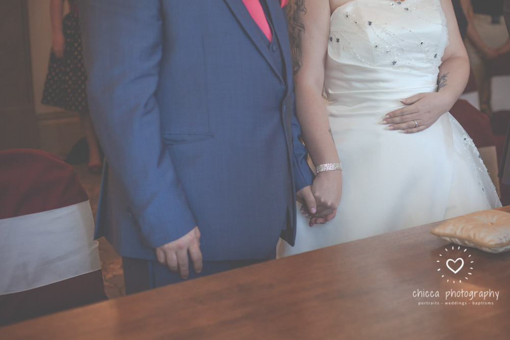 bradford-registry-office-calverley-golf-club-wedding-photography-chicca-47.jpg