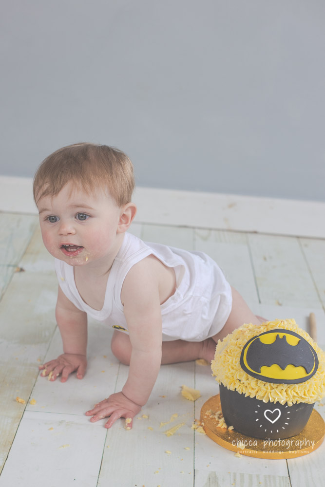 keighley-cake-smash-photo-shoot-baby-chicca-photo-18.jpg