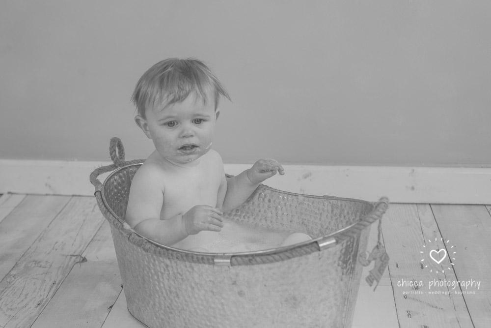 keighley-cake-smash-photo-shoot-baby-chicca-photo-29.jpg