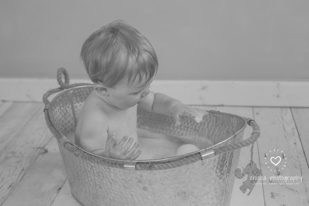 keighley-cake-smash-photo-shoot-baby-chicca-photo-33.jpg