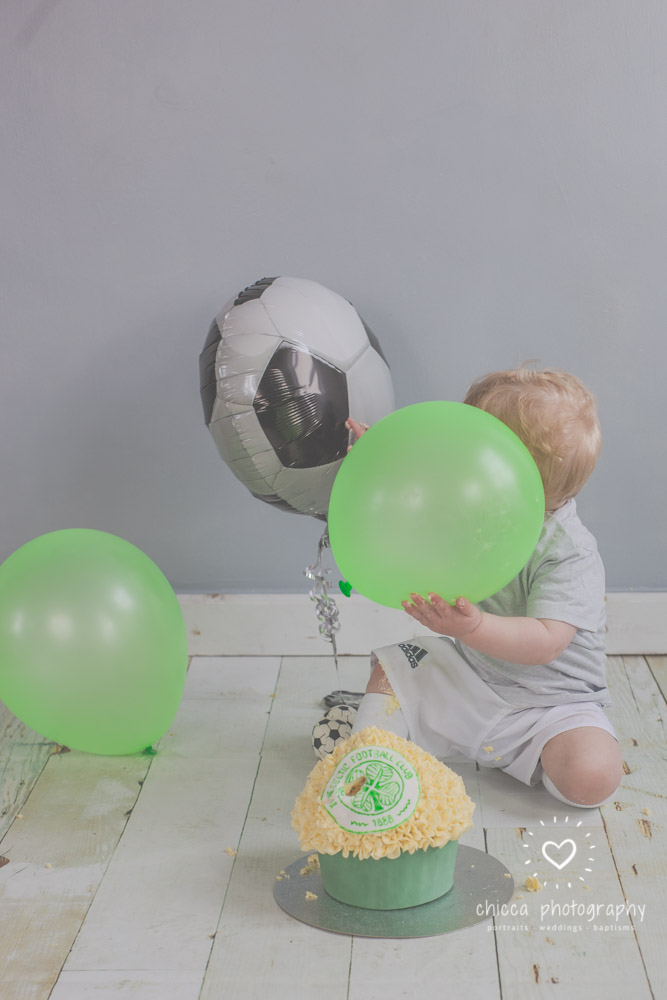 baby-photo-shoot-cake-smash-keighley-skipton-bradford-chicca-10.jpg