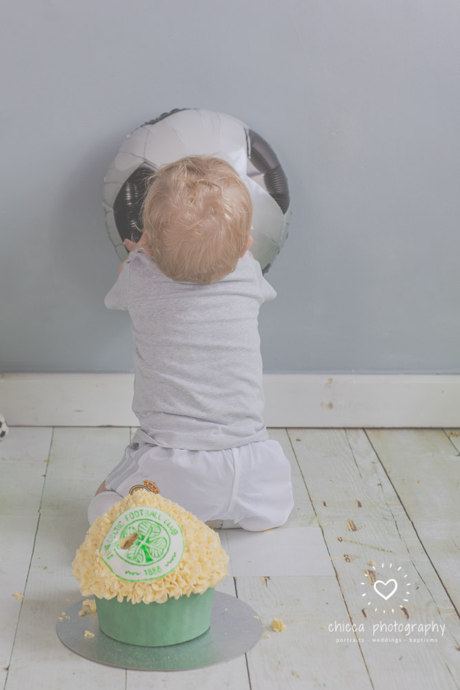 baby-photo-shoot-cake-smash-keighley-skipton-bradford-chicca-11.jpg