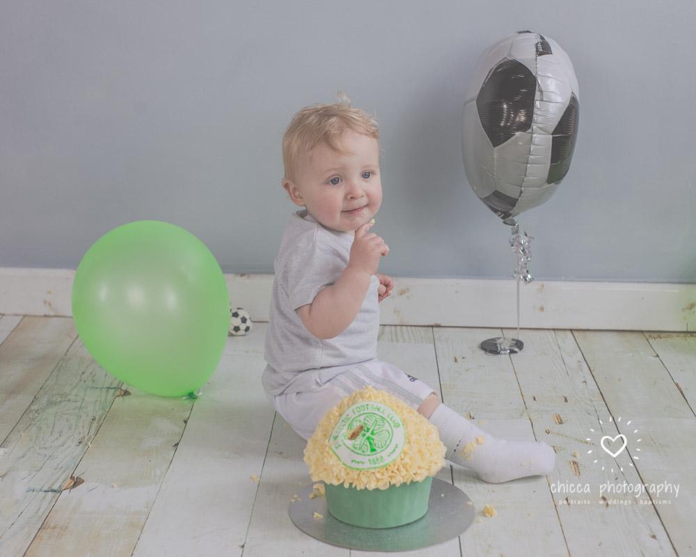 baby-photo-shoot-cake-smash-keighley-skipton-bradford-chicca-12.jpg