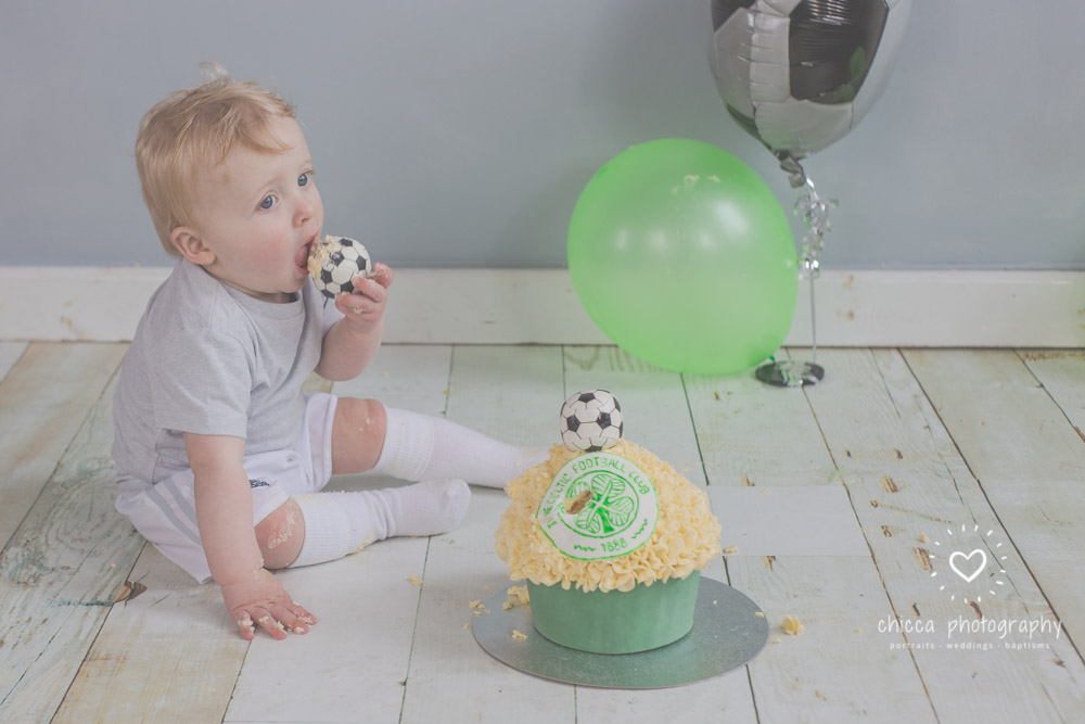baby-photo-shoot-cake-smash-keighley-skipton-bradford-chicca-13.jpg