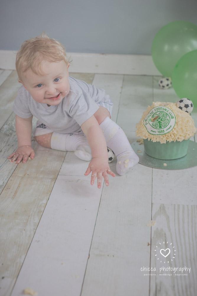 baby-photo-shoot-cake-smash-keighley-skipton-bradford-chicca-14.jpg
