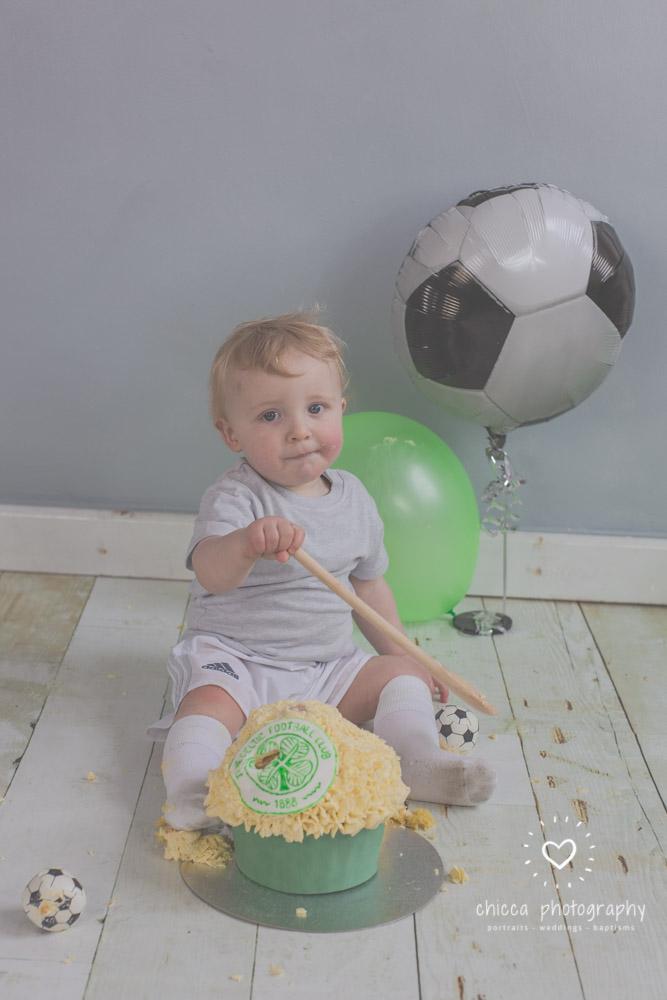 baby-photo-shoot-cake-smash-keighley-skipton-bradford-chicca-18.jpg