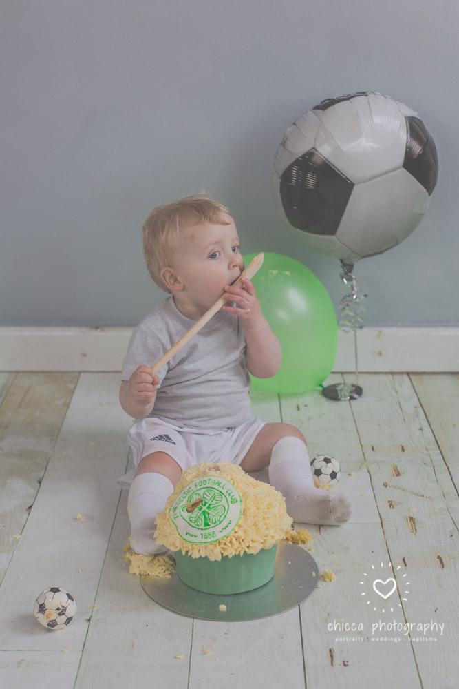 baby-photo-shoot-cake-smash-keighley-skipton-bradford-chicca-19.jpg