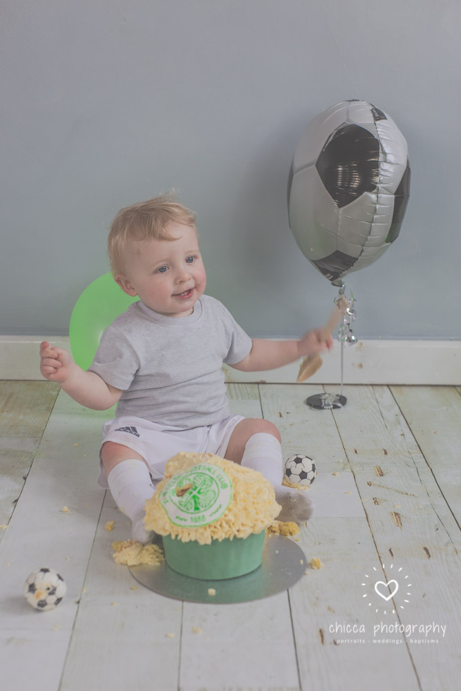 baby-photo-shoot-cake-smash-keighley-skipton-bradford-chicca-22.jpg