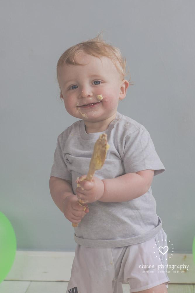 baby-photo-shoot-cake-smash-keighley-skipton-bradford-chicca-31.jpg