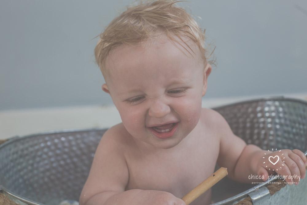 baby-photo-shoot-cake-smash-keighley-skipton-bradford-chicca-39.jpg
