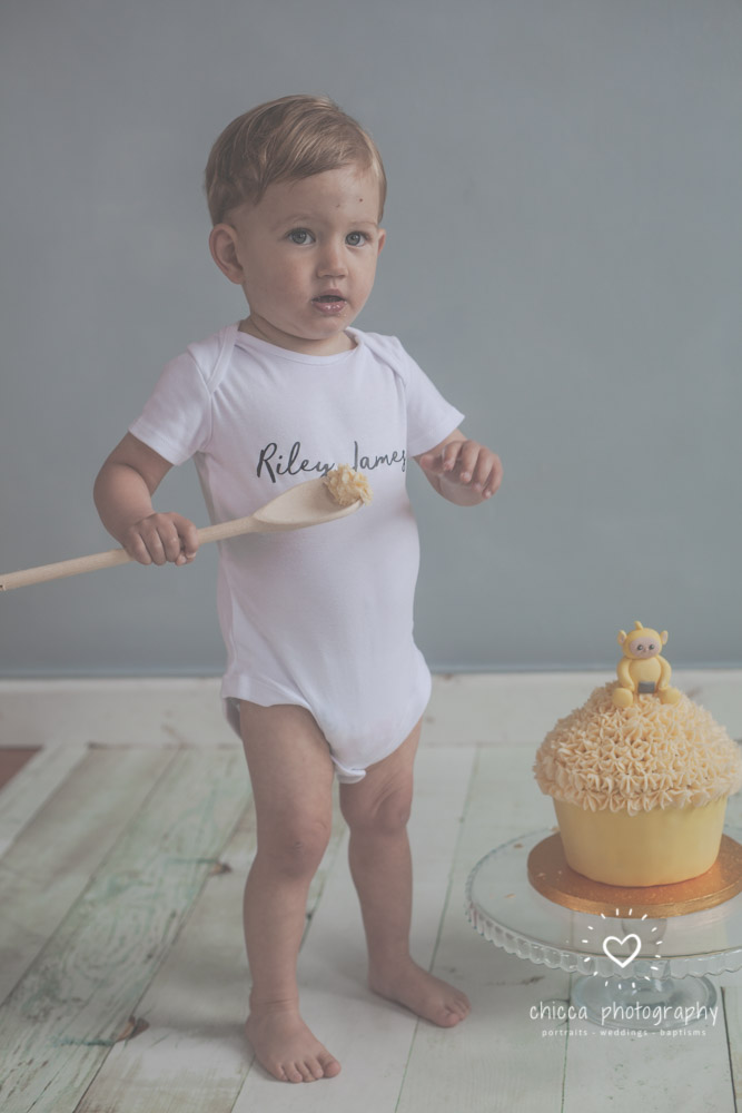 keighley-cake-smash-photo-shoot-bradford-skipton-chicca-4.jpg