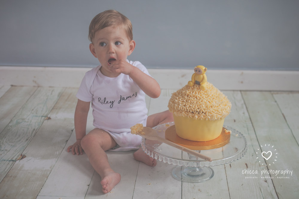 keighley-cake-smash-photo-shoot-bradford-skipton-chicca-9.jpg