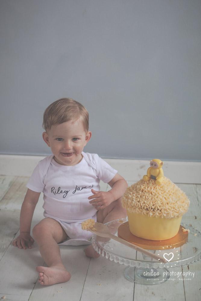 keighley-cake-smash-photo-shoot-bradford-skipton-chicca-10.jpg