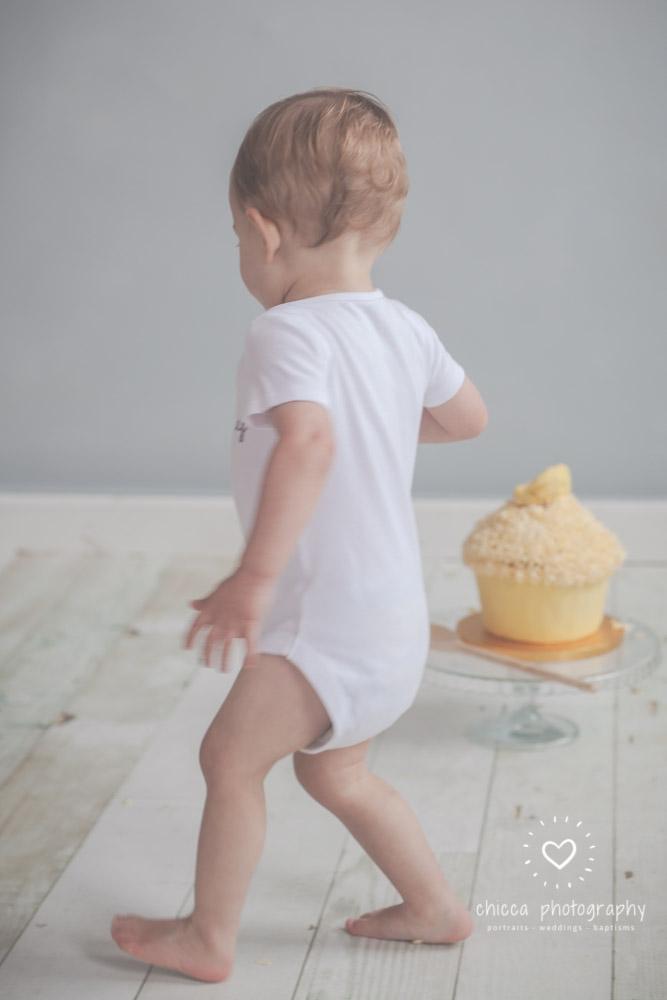 keighley-cake-smash-photo-shoot-bradford-skipton-chicca-17.jpg