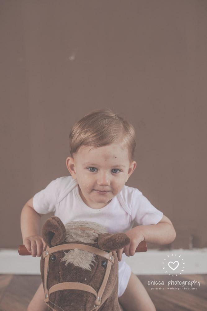 keighley-cake-smash-photo-shoot-bradford-skipton-chicca-34.jpg