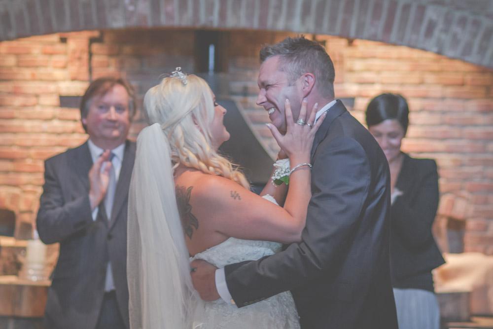 otley-chevin-lodge-wedding-leeds-bradford-photographer-chicca-27.jpg