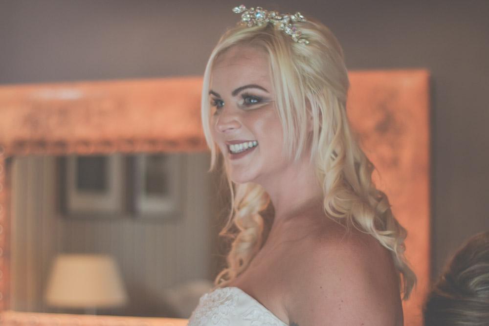 otley-chevin-lodge-wedding-leeds-bradford-photographer-chicca-9.jpg