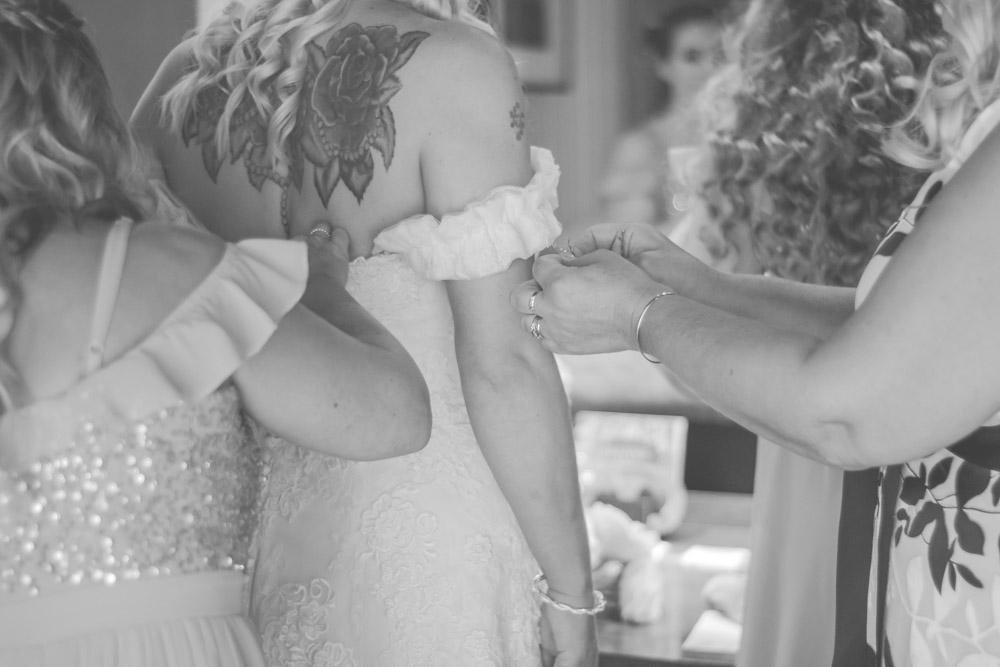 otley-chevin-lodge-wedding-leeds-bradford-photographer-chicca-12.jpg