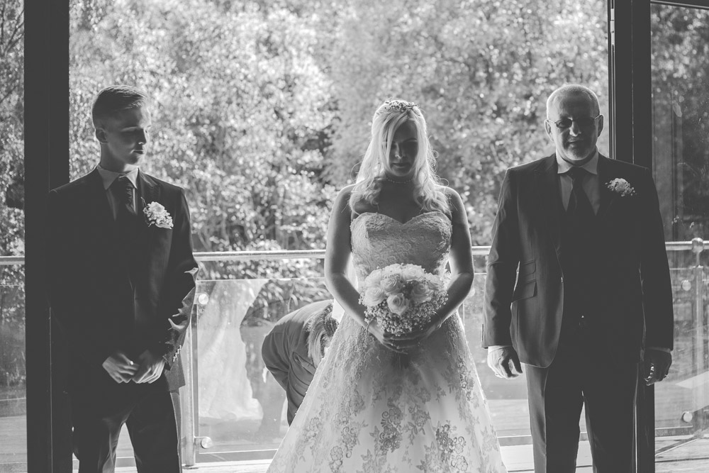 otley-chevin-lodge-wedding-leeds-bradford-photographer-chicca-90.jpg