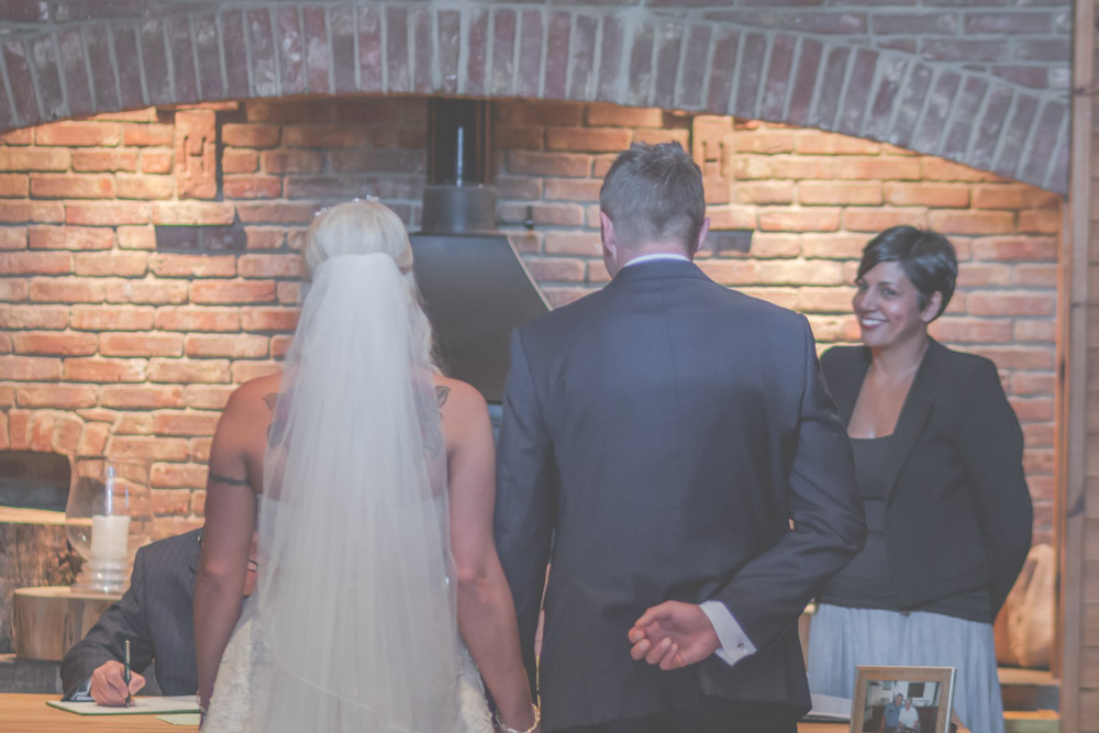 otley-chevin-lodge-wedding-leeds-bradford-photographer-chicca-19.jpg