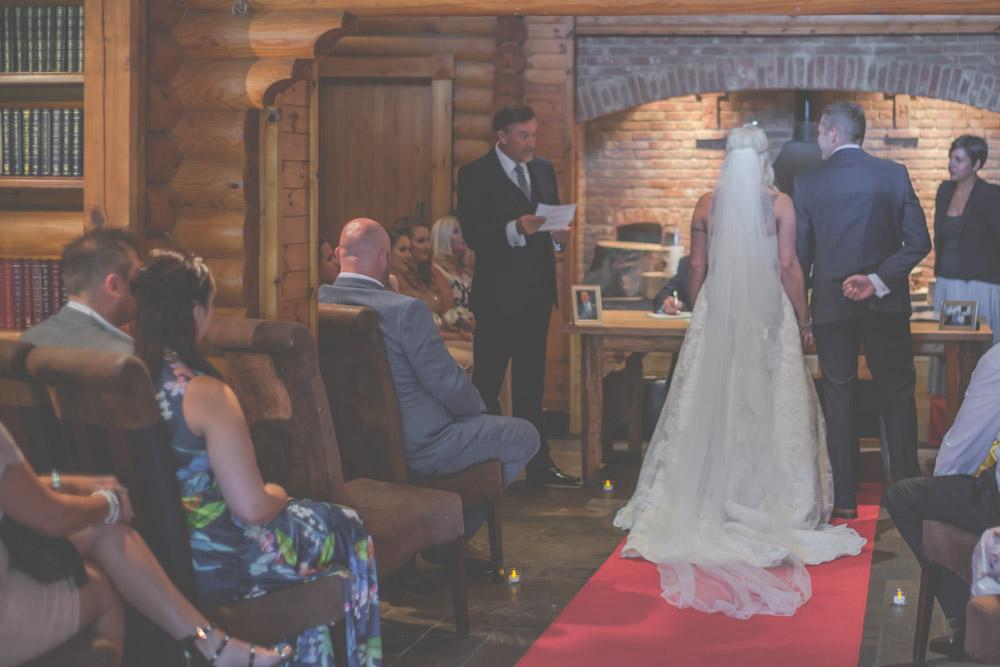 otley-chevin-lodge-wedding-leeds-bradford-photographer-chicca-21.jpg