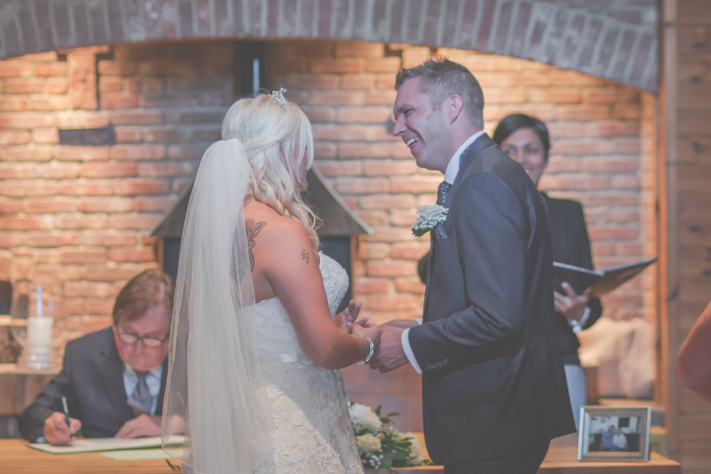 otley-chevin-lodge-wedding-leeds-bradford-photographer-chicca-22.jpg