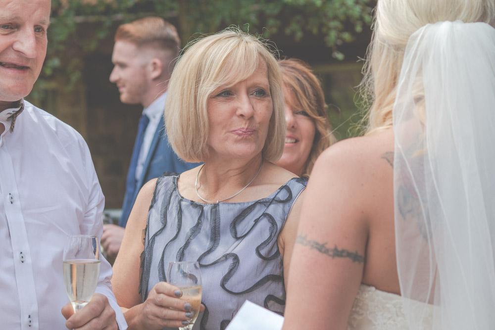 otley-chevin-lodge-wedding-leeds-bradford-photographer-chicca-30.jpg