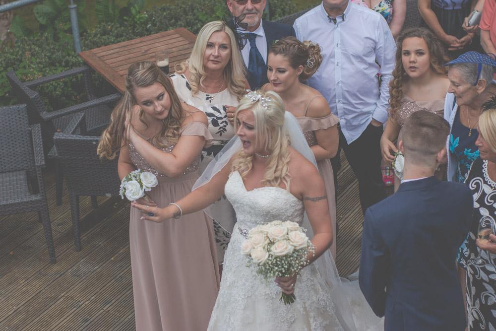 otley-chevin-lodge-wedding-leeds-bradford-photographer-chicca-44.jpg