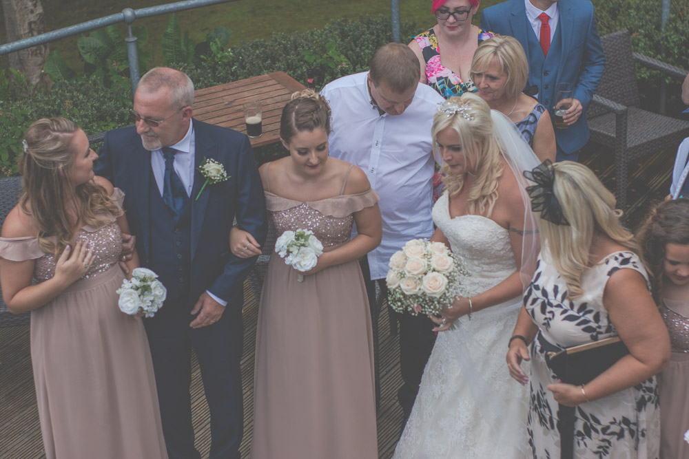 otley-chevin-lodge-wedding-leeds-bradford-photographer-chicca-45.jpg